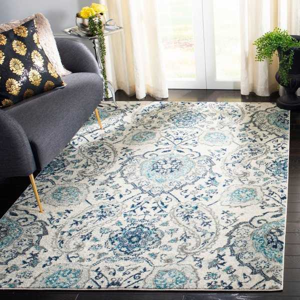 Safavieh Madison Paisley Boho Glam Cream/ Light Grey Rug - 6'7' x 9'2'
